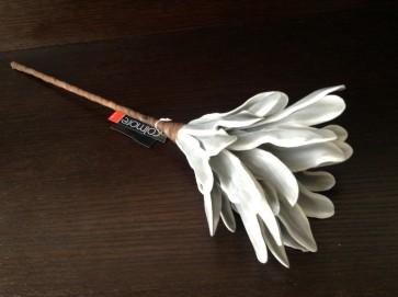 Kvet - bielo-šedý, 50 cm